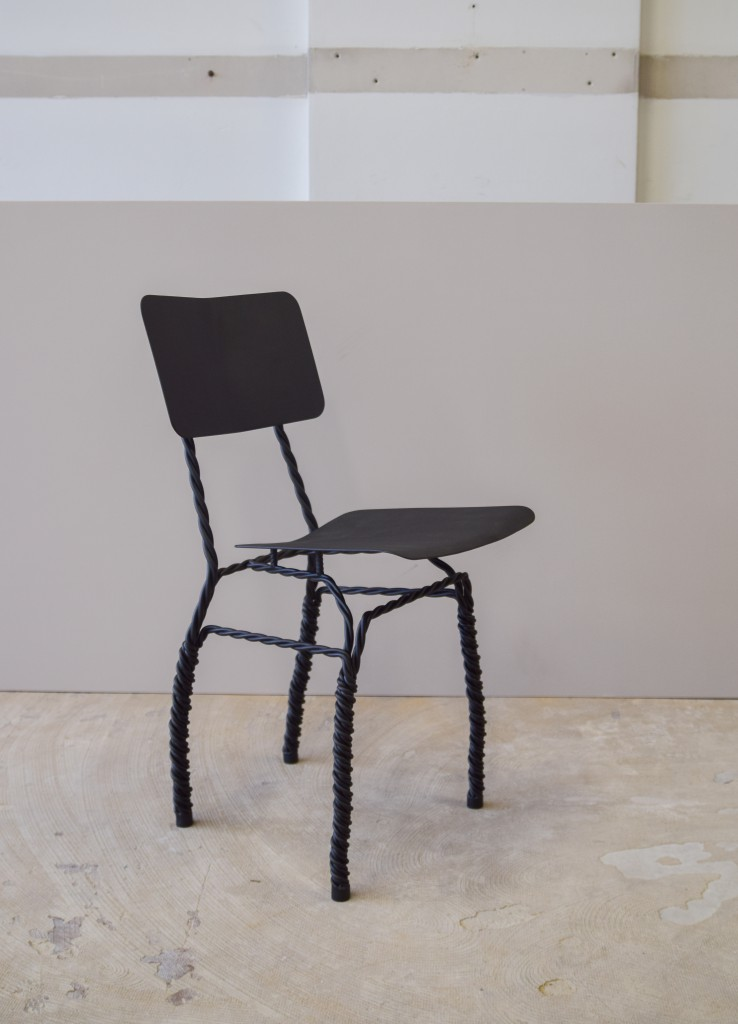 TWISTED FUNCTIONALS Chair (picture by Ralf Gloudemans) (1)